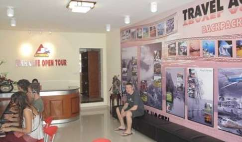 Find cheap rooms and beds to book at hostels in Ha Noi