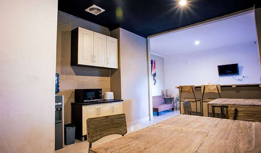 Search availability for the best youth hostels in Kuta