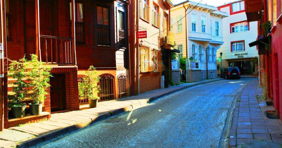 hostel reservations in Istanbul
