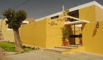 Search availability for the best youth hostels in Arequipa